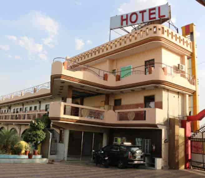 the royal paradise resorts hotel paradise palace inn garden rh justdial com