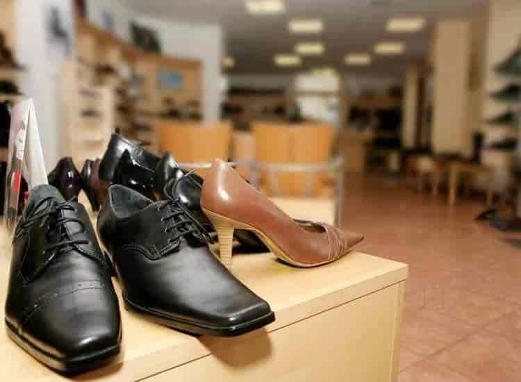 Adidas negozio (fabbrica scarpe adidas a chandigarh spacciatori posto)