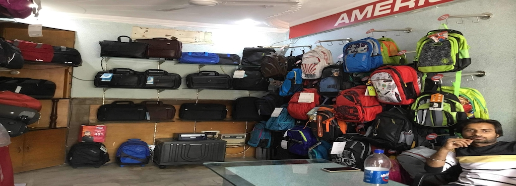 9de819b007 Rishabh Bags N Luggage, Vasundhara Sector 13 - Bag Dealers-VIP in  Ghaziabad, Delhi - Justdial