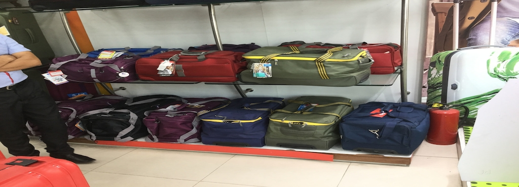 c386e604e0 Crystal Bags, Parade - Luggage Bag Dealers in Kanpur - Justdial