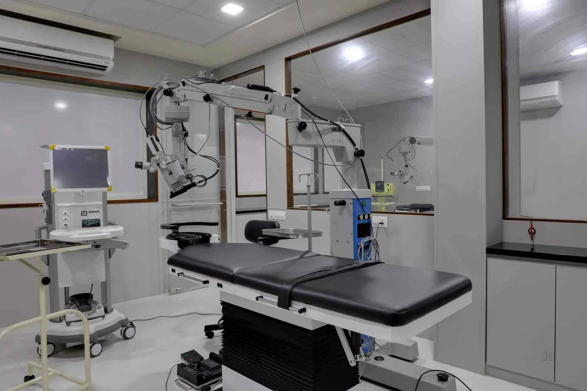Top Eye Clinics in Chhani Road - Best Eye Specialists- Book